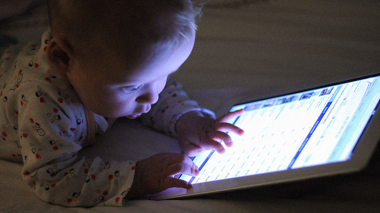 3052029-poster-p-1-the-american-academy-of-pediatrics-says-ipads-are-ok-for-infants